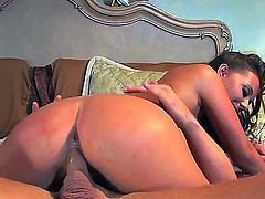 Penny Flame puts her luscious lips on dudes erect snake