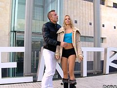 This juicy and sassy blondie Erica Fontes got some hot shapes. Babe sucks that huge cock and then gets fucked outdoors. She loves an extreme sex!