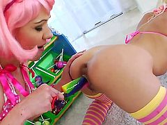 Katie Angel is never enough and stimulates Jayda Diamondes again