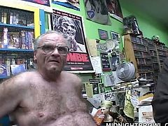 Well, if you're ready to jizz all over the place, then you'd better press play and enjoy Pornstar sex clip. Zealous light haired gal lies all naked in the shop. This bitch wanna get her twat banged by all the horny dudes surrounding her.