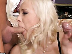 Blonde Teena Dolly gives throat job like no other and hard cocked bang buddy knows it