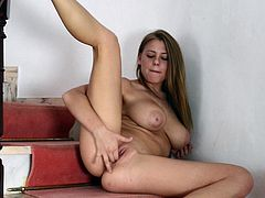 She feels amazing when finger fucking her wet pussy in amazing solo sessions