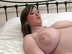 Full-bosomed brunette sexpot Malibu Candi has a curvy body! She has huge succulent boobs and a big spankable ass! She gets rid of her bra and show us her appetizing boobs.
