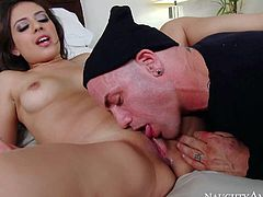 Petite sexy Jynx Maze with sexy natural tits and amazing perky ass is his fathers younger sex obsessed girlfriend. She gives a sex lesson to shy guy. She lets him lick her smooth sweet pussy and then gives head.