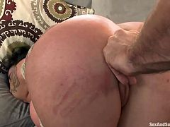 Jordan ties up Donna's body with a rope so she can't escape. Her ass is in the air and he sticks his fingers in her pussy. After that, he inserts his dick inside her mouth and makes her choke on it, before tickling her feet and fucking her very hard from behind.