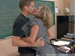 Professor Brandi Love is another fuck hungry MILF that does her best to seduce student guy into fucking. She plays with his cock and then shows her amazing bubble butt. She gets her mature pussy pounded from behind.
