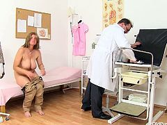 Are you looking for the hottest busty Czech cougar woman? She is right here with her legs wide and pussy exposed. watch her huge melons and pinkish pussy for free.