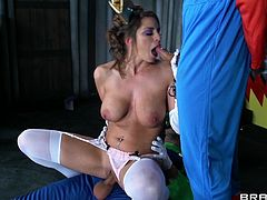 Sexy milf Brooklyn Chase stars as Princess Peach in this cosplay porn. Mario and Luigi make her give them blowjobs in Bowser's castle. She rides Luigi while sucking off Mario. Then he fucks her from behind and she sucks off Luigi.