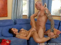 Chayse Evans enjoys in getting her hands on hot and arousing lad Domenic Kane on her couch and enjoys in giving him a hot cock sucking and licking session in front of the cam