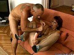 21 Sextury xxx clip provides you with a really voracious and spoiled brunette mature whore. This bitch in stockings and heels spreads legs wide to be fucked missionary. As she's too voracious she uses lots of sex toys to please her wet mature cunt.