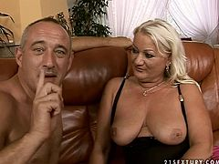 Shabby blond BBW gets lured by insatiable dad. He mauls her oversized ass before she kneels down in front of him to give him deepthroat in peppering sex video by 21 Sextury.