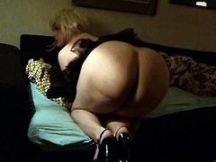 Big Italian tranny ass flaunting on webcam