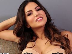 Pretty brunette babe Sunny Leone has an amazing body, that was created for wild sex, She likes to spend her free time alone and to stimulate her sweet wet pussy. Enjoy!