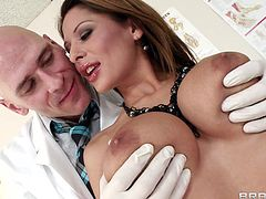 Doc Sins is about to have a very good day at work. His favourite patient just come in! Allison is a real sensual babe and she needs a very close medical examination. Sins puts on his gloves and checks her up. First, is her big mouth and the, her pussy. The babe then bends over to get her big round booty checked!