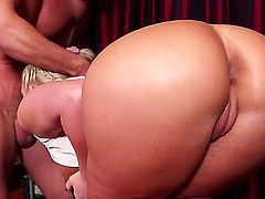 Kinky blondy Phoenix Marie enjoys slurping on Johnny Castles hard dick before taking it in her wet pussy