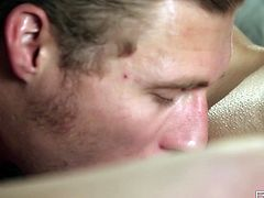 This guy takes his girlfriend to bed so her can get lucky. He spreads her legs and then puts his face in her vagina and eats her out. What a lucky guy he is to be able to lick her pussy. She moans and he gives her cunnilingus.