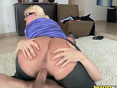 Curvaceous blonde chicks measure the length of a dick. Then she gives a blowjob and gets fucked in CFNM video.
