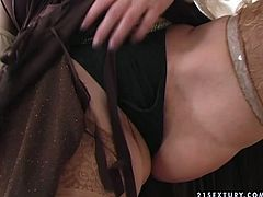 Sexually aroused granny with chunky body takes off her clothes like professional strip teaser. Then she lies on a couch spreading her legs wide. She drills her throbbing vagina with big black dildo.