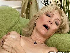Extremely perverted nymph pounds this grannie's oiled pussy with a baseball bat to get it ready for hot fisting session. Make sure you don't miss this hot sex video.