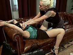 The strapon penetration is the best thing that happens to Annika, as the rest caused by her mistress Lorelei Lee is something in pain!