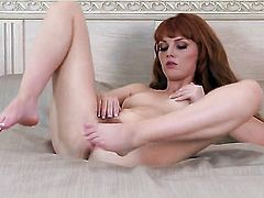 Marie McCray shows off her naughty bits before she masturbates