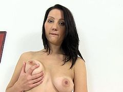 Sweetheart finger fucks with great pleasure in one staggering solo action