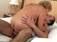 This old woman loves a good, hard fuck! She takes her lover's dick up her hairy snatch and rides it passionately in cowgirl position. Then she lets him get a taste of her snatch.