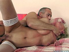 Damn, this mature slut is wacky woman. She is fucking furiously in hardcore porn session. Watch her getting banged hard in her butt hole from behind.