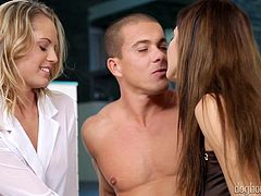 What happens if you have two beauties, that are ready for some dirty three way action! Romanian slut Alice and her girl Vanda are fucking horny and this dude is fucking lucky! The sit next to him and in no time things get dirty. Blonde Vanda gets her pussy licked by the guy, while Alice takes care of her lips!