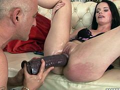 This mature dude knows how to make this horny girl happy! He makes her lick that dildo to make it wet and then he pounds her twat nice and slow.