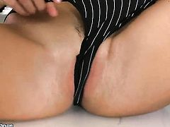 Teen Serilla Lamante wants this solo sex session to last forever