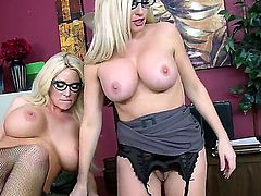 Two big boobed spectacled blonde chicks Alena Croft and Summer Brielle are having threesome with Johnny Sins. The baldheaded hugecocked man satisfis them on 100!