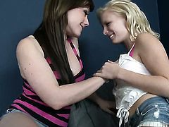 Jennifer White and Elania Raye play with each others boobies before it comes to pussy fingering