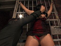 Worn out bosomy brunette harlow gets her its squeezed with metal pegs