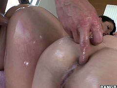 Jenna J. Ross and Samantha Ryan are having a good time with some dude indoors. They suck his dick ardently and allow the man to smash their holes and share the jizz which they manage to get.