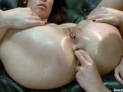 She has a hot, tight ass hole that her girl wants to explore. First the bitch receives a rimjob and then gets her ass fingered. Now that her anus is less tighter the other slut inserts a metal speculum and stretches her anus. Curious why does she needs that ass hole to get wider?