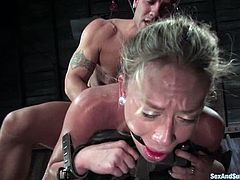 This kinky and amazing siren Derrick Pierce gets naked with Kylie Worthy for a fetish sex. He ties her up and penetrates her cunt, waxing her hot titties!