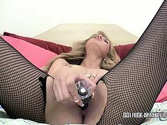 Cute coed Emily Kae stuffs her pussy with a dildo