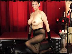 Tera has that devilish look in her eyes, she's a busty goddesses and knows that all it takes to make us pay her the attention she deserves are a few lustful looks and her perfect body! The sensual brunette wears her black pantyhose and nothing more, slowly pulling them off to show us that perfect ass!