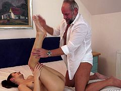 Honey loves getting naked with older dudes. Way older dudes, as she believes that they can give her a wide sexperience.