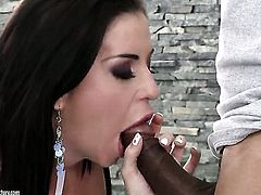 Brunette Larissa Dee gives giving oral pleasure to hot dude