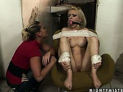 Blonde Kathia Nobili and Isabell Cat spend their sexual energy together