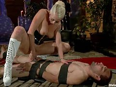 Lorelei Lee is a sexy babe that loves getting a full domination over her man Blake! She ties him up and belts down on the bed to ride his penis.