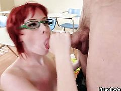 Jordan Ash plays hide the salamy with Zoey Nixon with smooth beaver