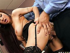 Ramon cant resist prettied up Amy Rieds acttraction and bangs her like crazy