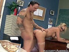 Teacher Tyanna Mason pounded in hot pussy