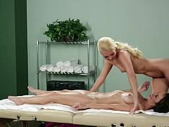 Aaliyah is a sexy masseuse and she loves her job. Why? Well, this blonde gets her paws on all kind of hot bitches. This time she had a great idea with her client and started to massage her with only one finger. Yeah, she slided her finger in that pussy and rubbed her on the inside before things got spcier