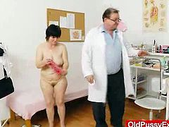 Amateur aged woman puss exploration by odd ob gyn doctor. Fat old mother in addition to big hips and huge arse but she got extremely petite cunt very rare.