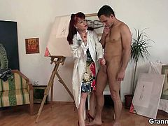 She gets inspiration from many places. See the redhead milf painter blowing her male model into kingdom come with her viciously skilled mouth in this free video.