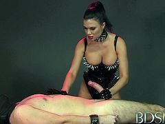 BDSM XXX Mistress treats her sub boy to a blowjob and gives him a face full of pussy